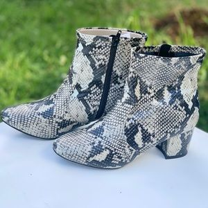 Women's Time and Tru Fashion Mid Boot Snake Print